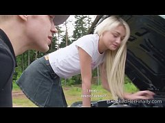 I Fucked Her Finally - Sweet blonde tries to fi...