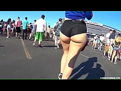 Candid -  Spicy Pawg in Hotpants showing her Un...