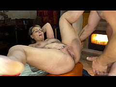 Sexy mature cant get enough of her boyfriends b...
