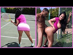 BANGBROS - Big Ass MILF Kiara Mia Loves Big Bla...