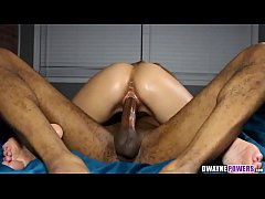 Hot Babe Lets BBC Ram Into Her Pussy