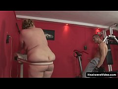 Horny mature mom fucked in her fat old pussy at...