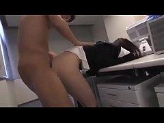 E nhân viên v\u0103n phòng \u0111\u01b0\u1ee3c training thành nô l\u1ec7...