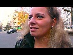 Frauen auf Deutschlands Strassen