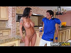 Melissa Lynn In Lesson With Squirting MILF