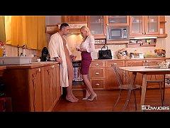 Blowjob Blondie Donna Bell Sucks Huge Morning G...