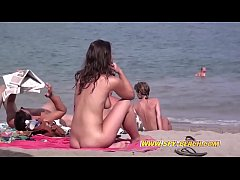 Amateurs Nude Beach Females Close-Up Compilatio...