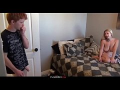 Caught my stepsister naked - homemade amateur
