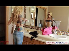 Ultra sexy blonde wife Sarah Jessie gets facial...