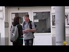 HUNT4K. Man pays attractive tourist money for q...