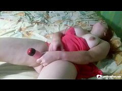 Brother records his chubby stepsister's solo se...