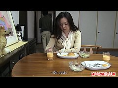 Clip sex JAV Uncensored with english subtitle: Mom gives son blowjob before leaving