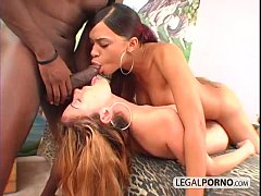 Black dick cums in mouth in an interracial thre...