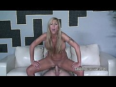 Blonde MILF Morgan Ray is taking dick from a st...