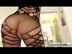 Samantha Saint shows her pussy