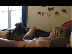 Girl Fingers And Licks Her Girlfriend To A Squi...