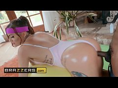 (Karmen Karma, Isiah Maxwell) - Tits Out And To...