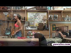 Petite woman screwed by nasty pawn dude in his ...
