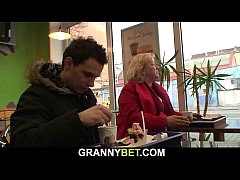Blonde big boobs granny picked up in the cafe