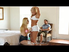 College teens get a relaxing massage and some o...
