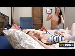 SIS.PORN. Girl with taut rear told stepbrother ...