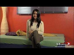 Jennifer 19 beim Porno Casting Interview in Zürich - SPM Jennifer19IV01