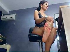 milf martubating in webcam