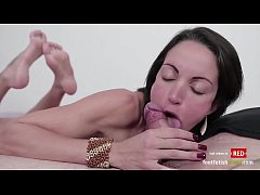 Elisa sexy blowjob in the pose and horny footjo...