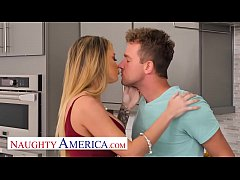 Naughty America - Linzee Ryder takes advantage ...