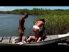 Monaliza is having an outdoor threesome and lov...