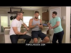 FamilyDick - Twink Gets His Body Covered In Hot...