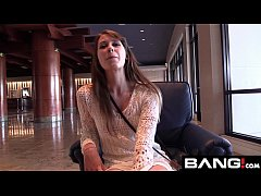 Zoey Laine Takes a Raw Dick and Load to the Fac...