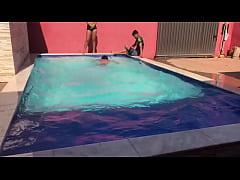 Clip sex Novinhos e Novinha Banhando na Piscina Da Casa da PJTX @ Alerquina PJT X @ Renan Martins Pantaneiro