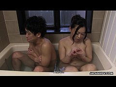 Clip sex Couple has a bath together with a huge boner in it