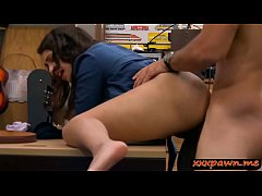 Pretty brunette babe nailed by pawn dude