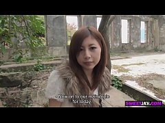 outdoor sex with a cute japanese girl