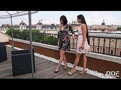 Hot lesbians Andreina De Luxe & Lady Dee lick e...