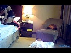 Chơi con gẹ chân dài trong khách sạn