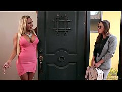 Kate England caught on her mom and her teacher ...