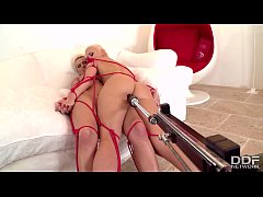 Robotic dildo machine gives Tracy Lindsay & Bla...