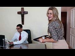 CULIONEROS - New Secretary Karen Getting The Jo...