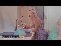 (Abella Danger, Zoey Monroe) squirting allover ...