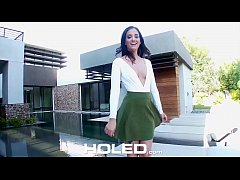 HOLED Real estate agent Gia Paige anal fucks po...