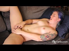 Tattooed Yanks Jette's Serious Clit Action