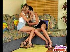 blonde and brunette lesbian teen girls licking ...