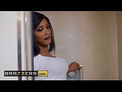 (Kiki Minaj, Danny D) - A Little Something Extr...