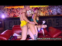 Brazzers - Brazzers Exxtra - Christen Courtney ...
