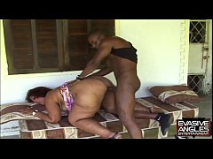 EVASIVE ANGLES House of love BBW - She are read...