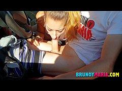 Adolescentes de BrunoyMaria Follando en Publico...