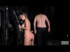 Submissive hottie Vittoria Dolce gets her tight...